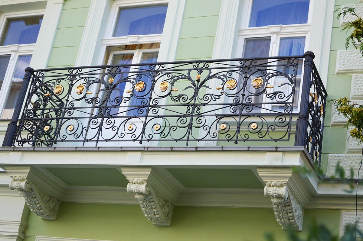 кованые балконные ограждения фото модели